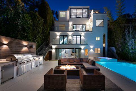 Property, Home, Building, House, Architecture, Lighting, Real estate, Interior design, Room, Estate,