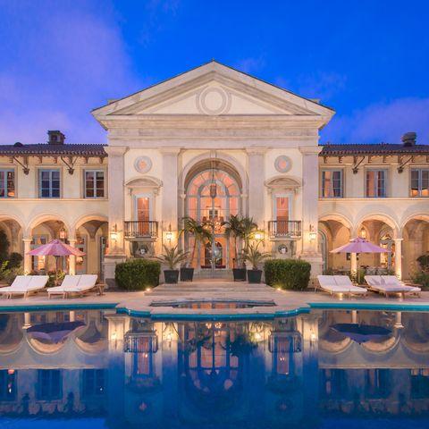 Building, Estate, Property, Mansion, Landmark, Architecture, Palace, Real estate, Villa, Home,