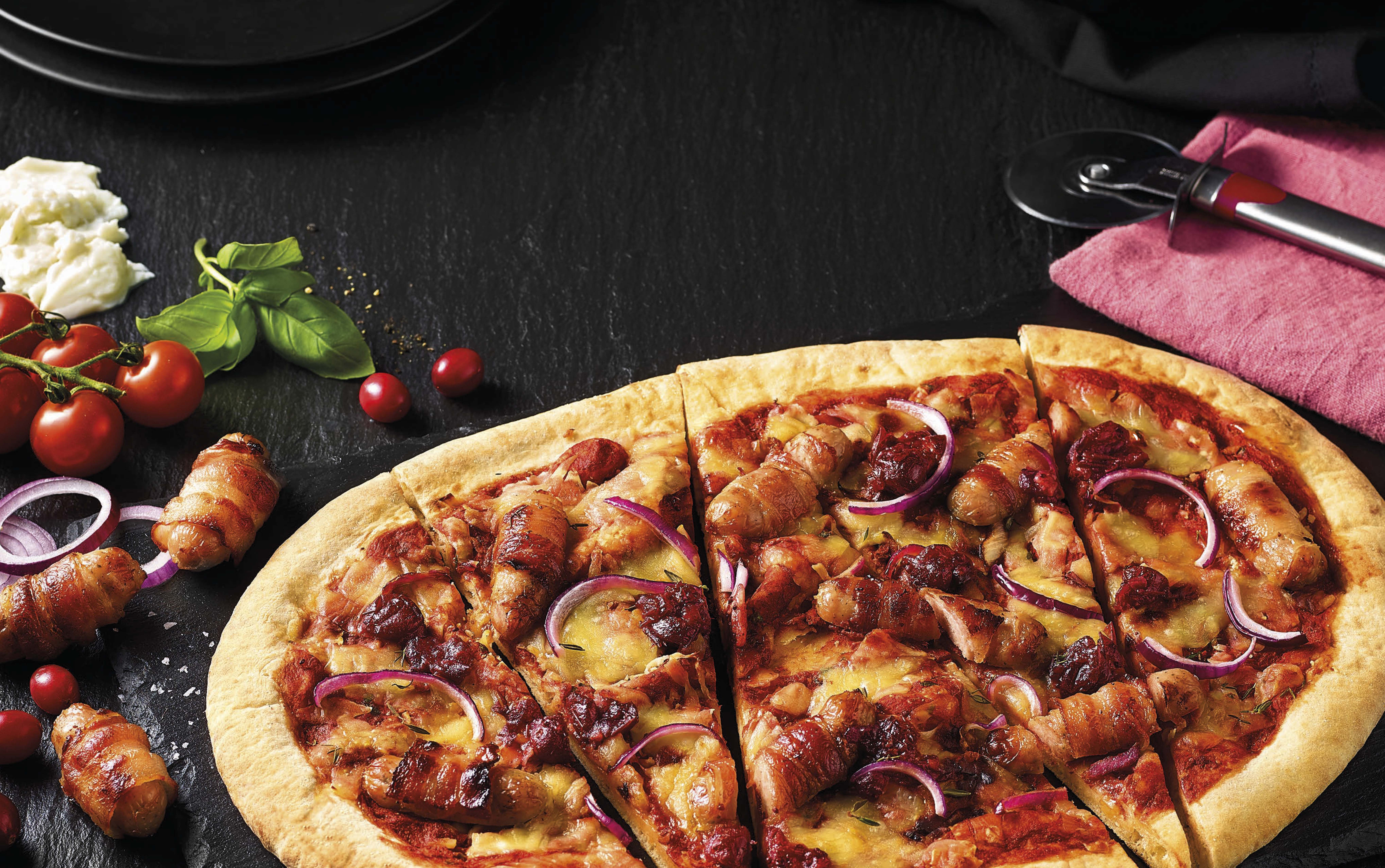 Lidl Has Released A Pigs In Blankets Pizza Just In Time For