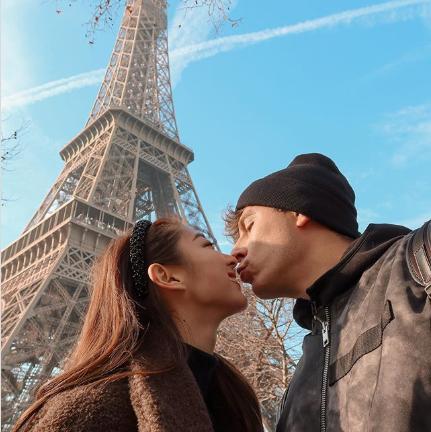 Love, Honeymoon, Romance, Kiss, Interaction, Forehead, Photography, Sky, Selfie, Tourism,