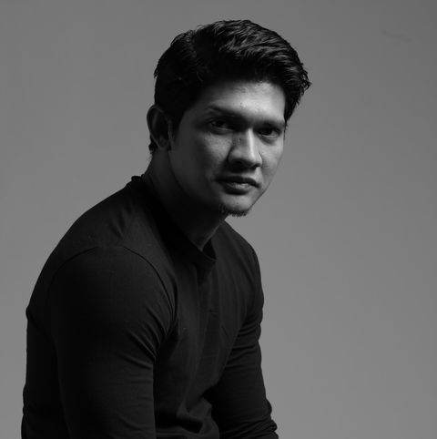 Black, White, Standing, Hairstyle, Sitting, Model, Photo shoot, Photography, Arm, Muscle,