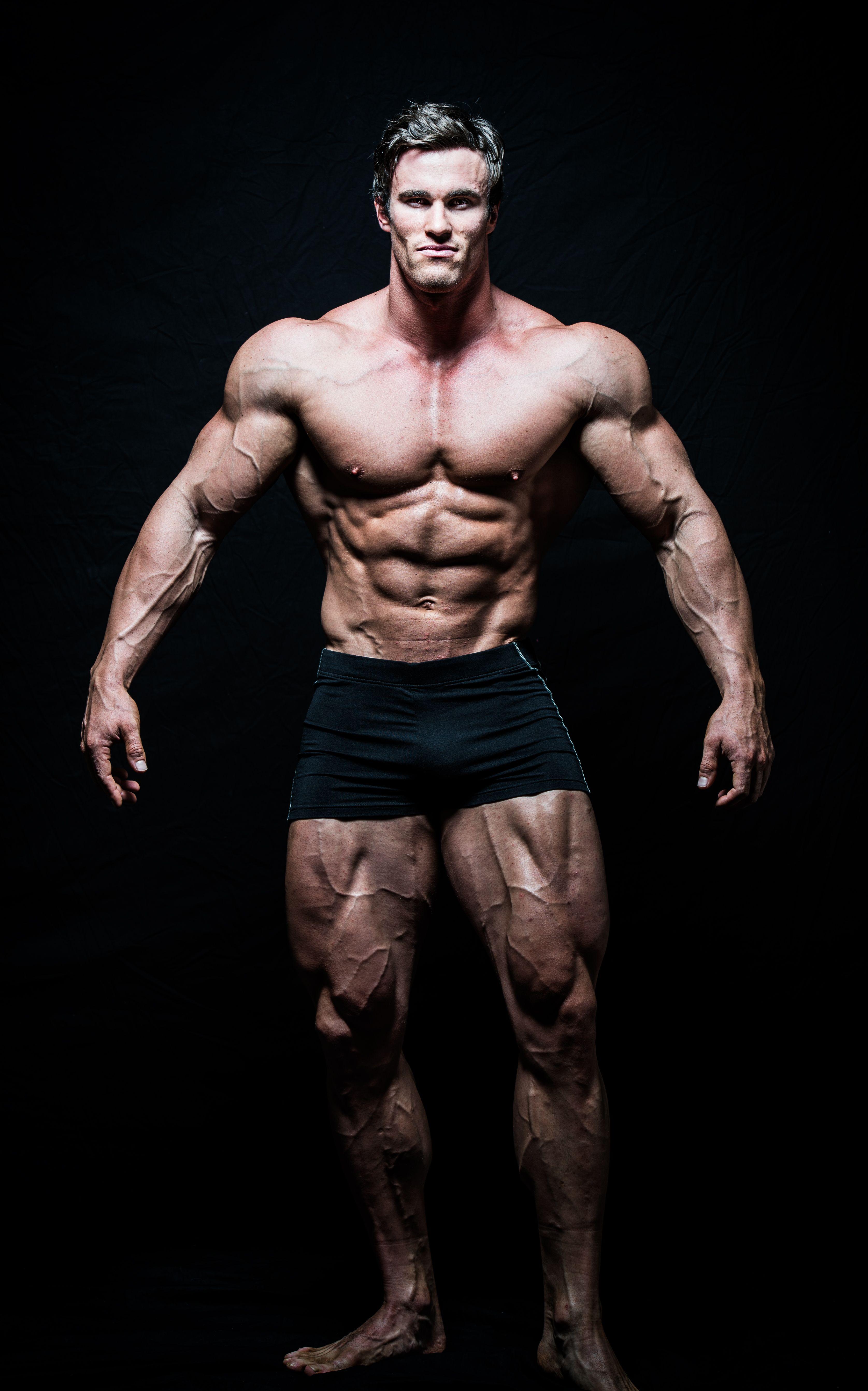 Arnold Schwarzenegger Bodybuilding Pose | www.pixshark.com