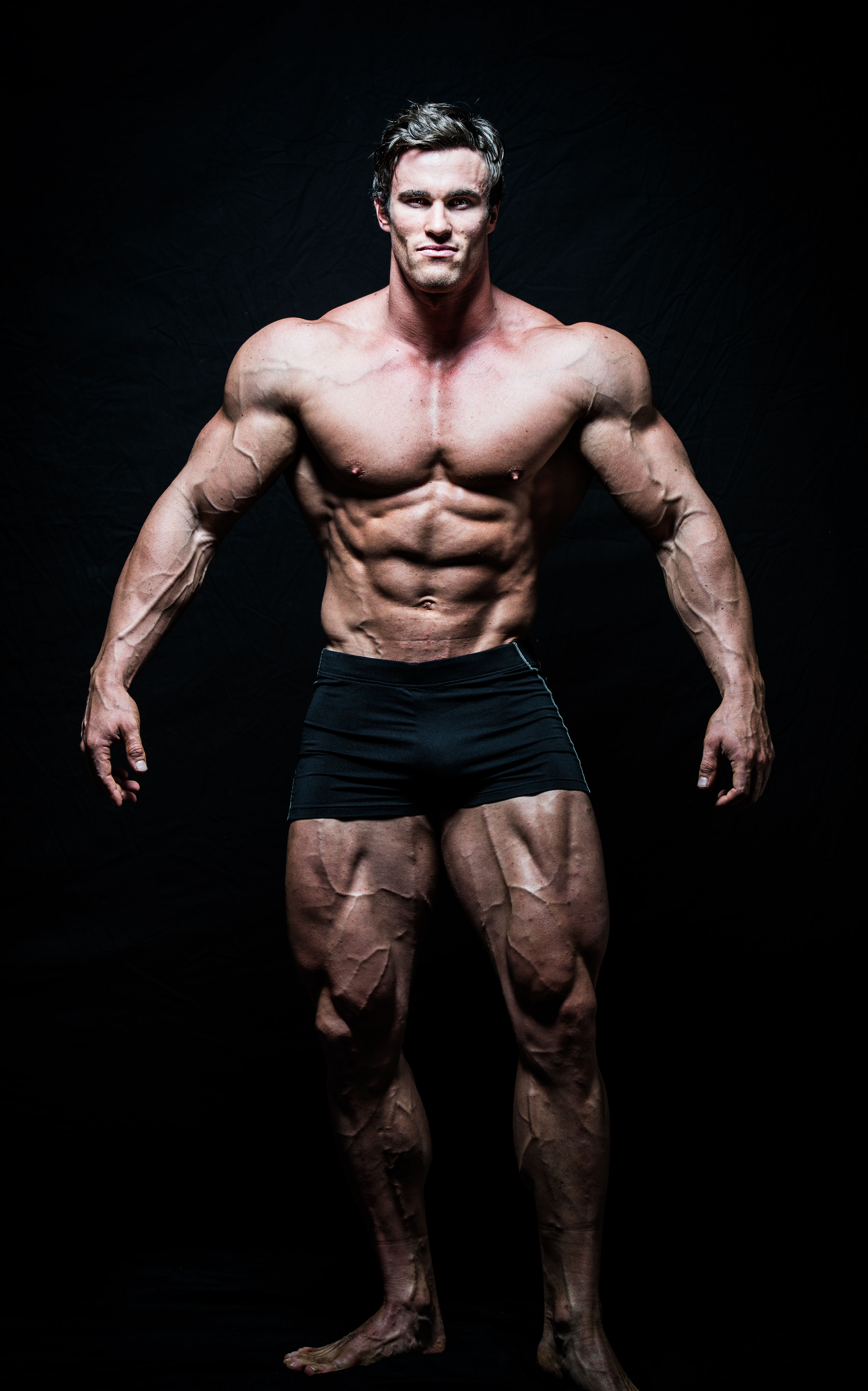 Bodybuilder Calum von Moger Reveals Pose Arnold