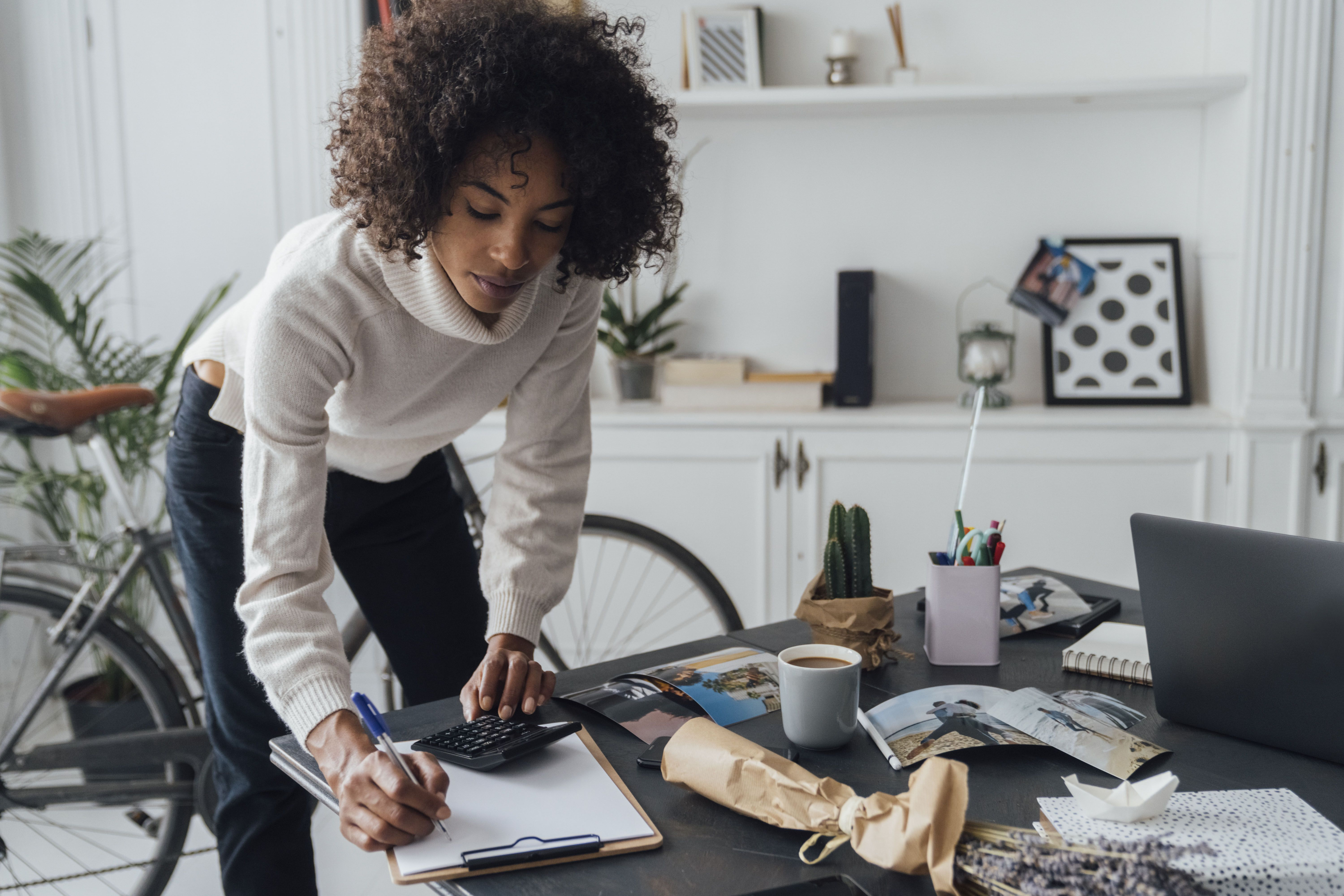 A Roth IRA vs. a 401k: Exactly What to Consider