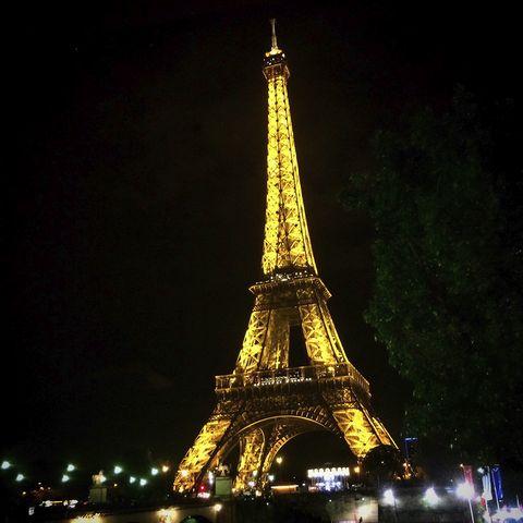 今月もパリからお届けします(エッフェル塔)