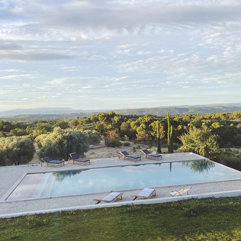 Sky, Cloud, Garden, Composite material, Water feature, Cumulus, Swimming pool, Landscaping,