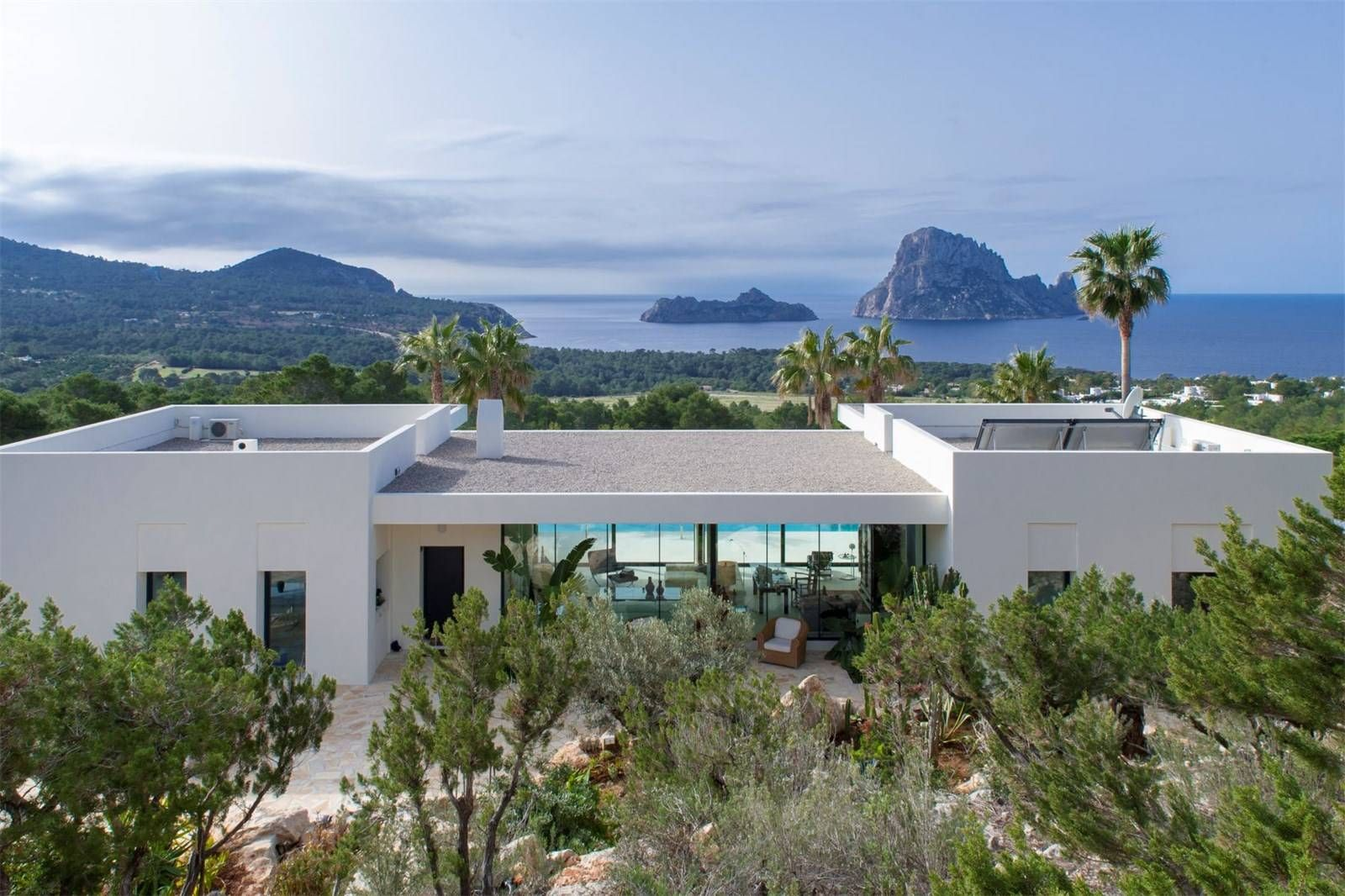 Amazing Homes That Are Modern-Living Goals—Inside and Out