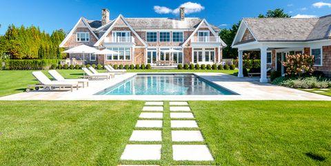 How To Simplify Your Beach House With Minimalist Decor - Beachy Minimalist Design