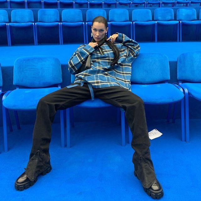 Blue, Sitting, Furniture, Talent show, Performance,
