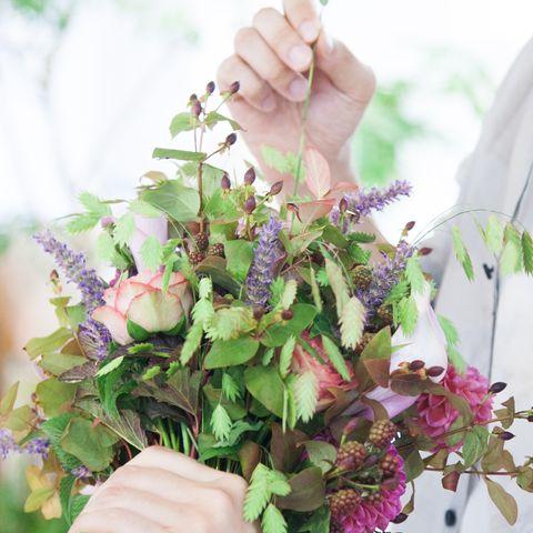 Petal, Bouquet, Flower, Cut flowers, Floristry, Flower Arranging, Flowering plant, Floral design, Artificial flower, Centrepiece,
