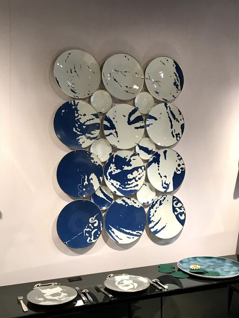 Blue, Blue and white porcelain, Design, Porcelain, Circle, Platter, Dishware, Glass, Plate, Tableware,