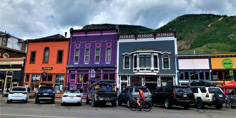 cars of a mountain town