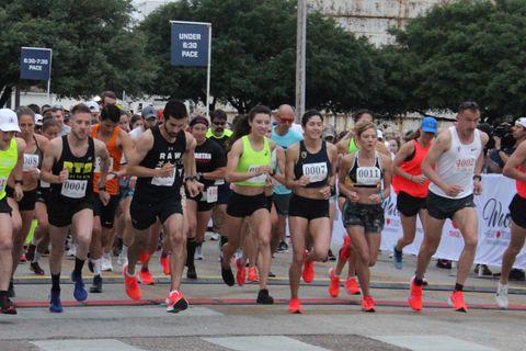 Sports, Running, Marathon, Athlete, Long-distance running, Outdoor recreation, Recreation, Athletics, Individual sports, Exercise,