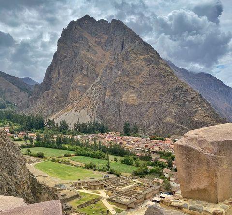 Mountainous landforms, Ancient history, Mountain, Ruins, Historic site, Rock, Archaeological site, Sky, History, Landscape,