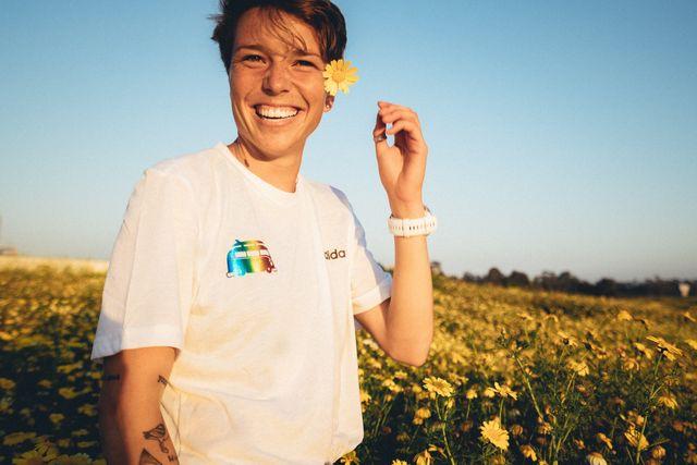 nikki hiltz promotes her pride 5k with golden coast track club