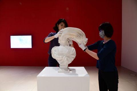 奇美博物館《紙上奇蹟2-無所不彈》國內外8組藝術家展出超過200件作品,7大互動區解放對紙的無限想像