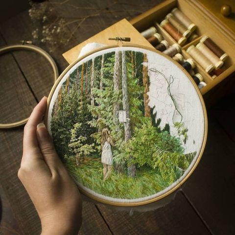 森林帶著走!立陶宛藝術家jūra gric用針線打造精緻森林系刺繡
