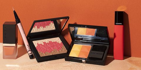 Cosmetics, Product, Beauty, Eye shadow, Eye, Face powder, Material property, Human body, Powder, Gloss,