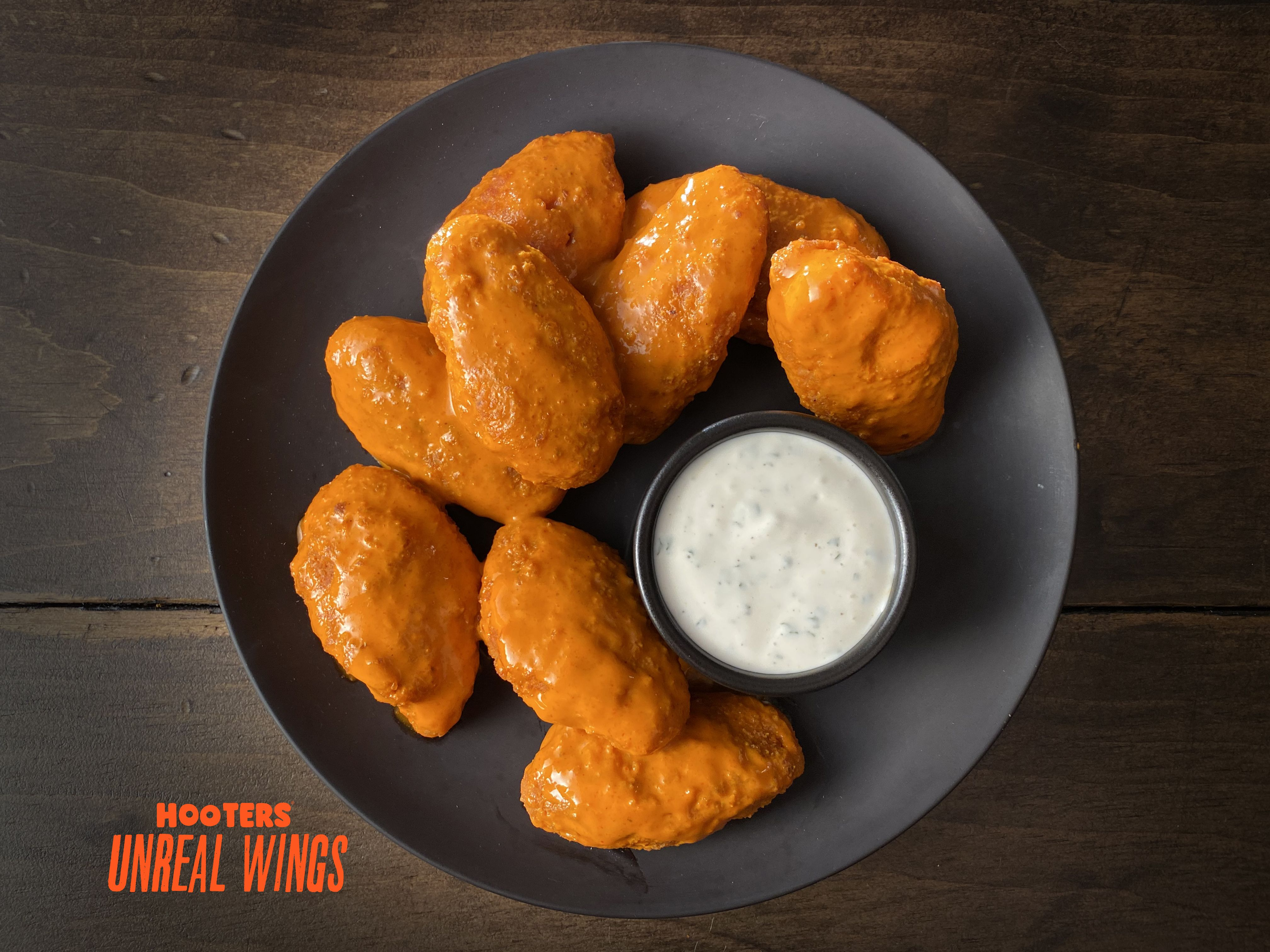 Hooters Just Launched Meatless Chicken Wings From Quorn, But Are They Actually Healthy?