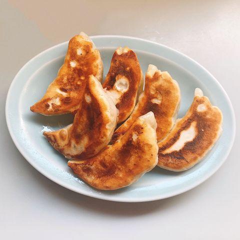 Dish, Food, Cuisine, Jiaozi, Dumpling, Ingredient, Wonton, Fried food, Produce, Baked goods,