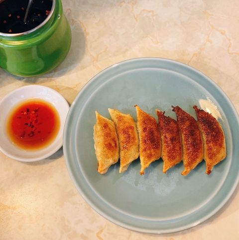 Dish, Food, Cuisine, Ingredient, Spring roll, Jiaozi, Produce, appetizer, Sweet chilli sauce, Dim sum,