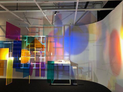 台灣招牌化身幾何色塊,形成漂亮光影裝置