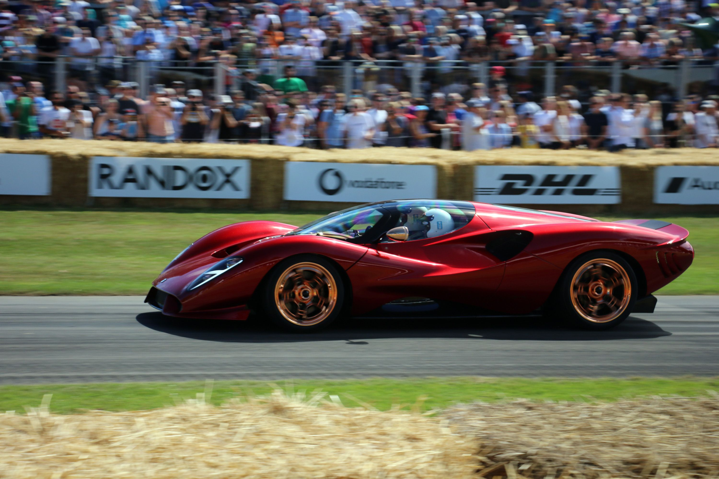Every Gorgeous Detail of the New De Tomaso P72