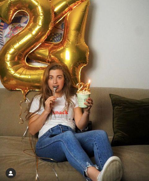 Jeans, Fun, Sitting, Photography, Long hair, Photo shoot,