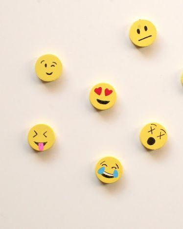 Emoticon, Yellow, Button, Facial expression, Smile, Smiley, Icon, Font, Circle, Fashion accessory,