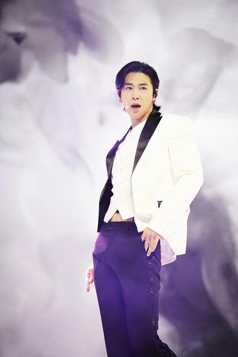 White, Suit, Formal wear, Fashion, Purple, Standing, Human, Photography, Tuxedo, Fashion design,