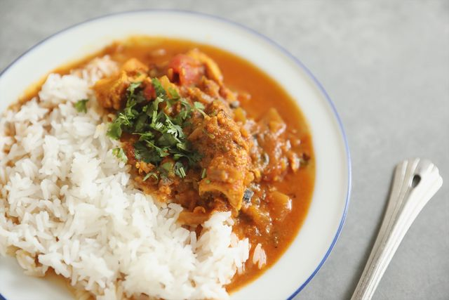 Food, Steamed rice, White rice, Rice and curry, Dish, Ingredient, Rice, Stew, Japanese curry, Curry,