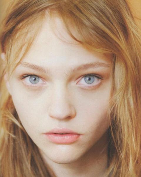 Face, Hair, Eyebrow, Blond, Hairstyle, Lip, Chin, Forehead, Beauty, Skin,