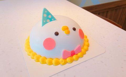 Cake decorating supply, Party hat, Cake decorating, Buttercream, Icing, Fondant, Food, Comfort food, Cake, Dessert,