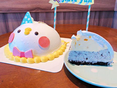 Cake, Food, Dessert, Cake decorating, Frozen dessert, Cake decorating supply, Torte, Buttercream, Sugar paste, Baked goods,