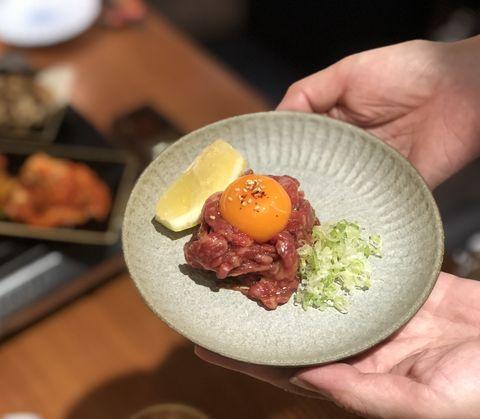 第三品:生蛋拌生牛肉