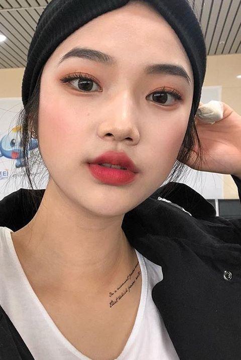 Face, Lip, Eyebrow, Hair, Skin, Nose, Cheek, Beauty, Head, Selfie,
