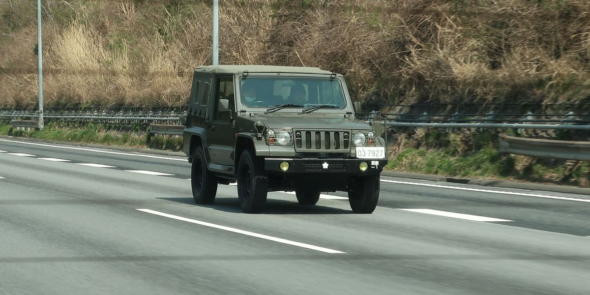Mitsubishi Montero's Army Brother Spotted in Japan
