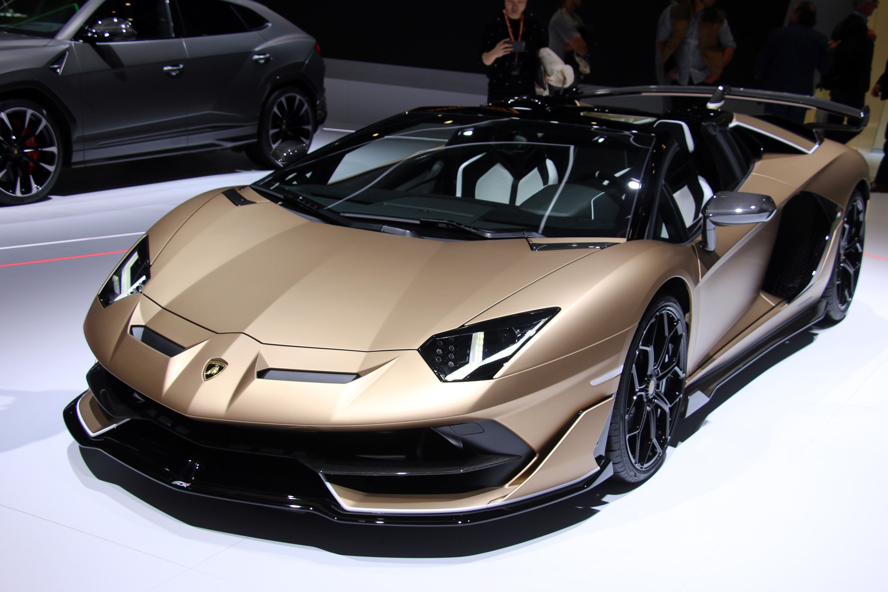 The Next Aventador Will Have a Naturally Aspirated V-12 and Supercapacitors