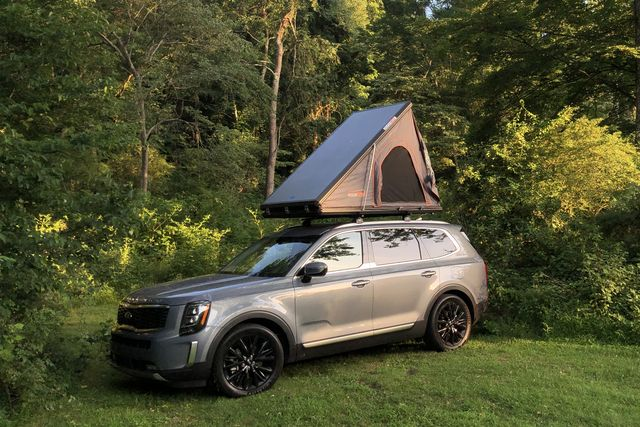 roofnest falcon rooftop tent on a kia telluride