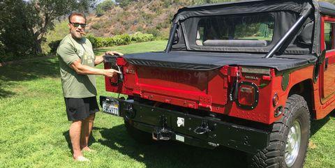 Land vehicle, Vehicle, Car, Automotive exterior, Motor vehicle, Off-road vehicle, Hummer h1, Bumper, Jeep, Pickup truck,
