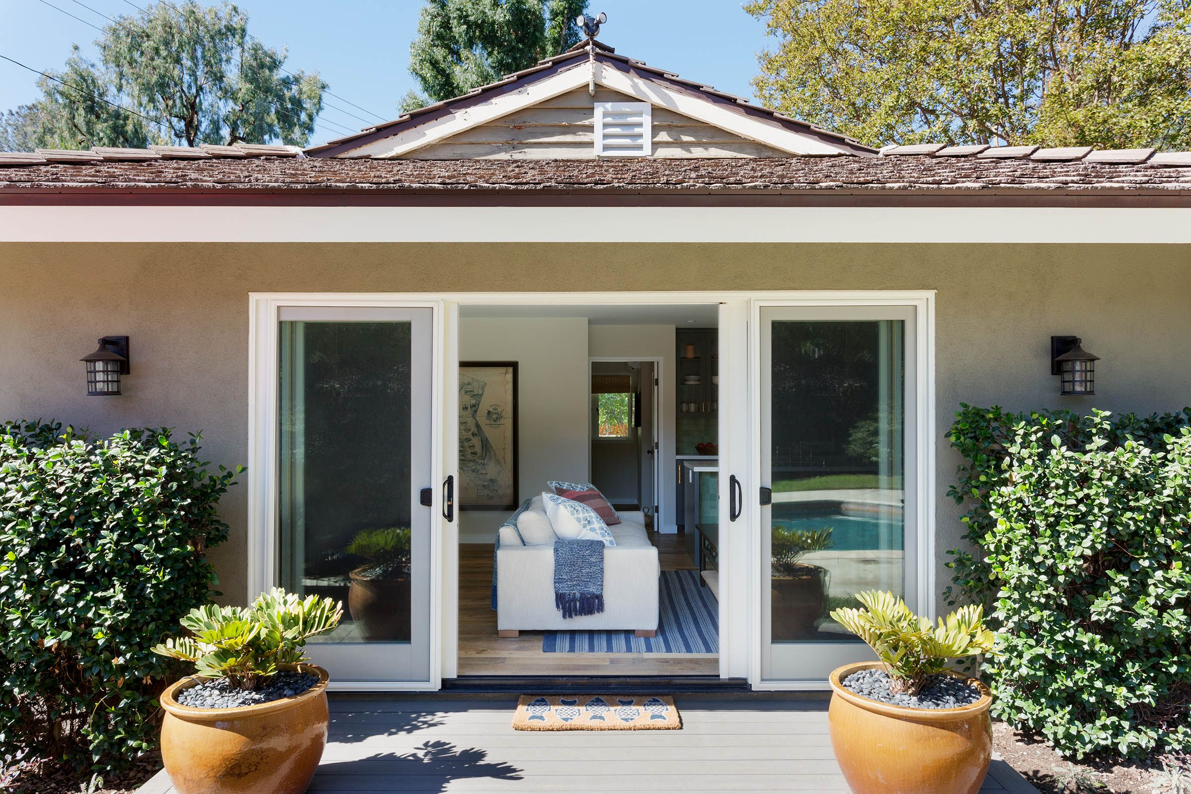 We'd Honestly Move Into This 600-Square-Foot Pool House
