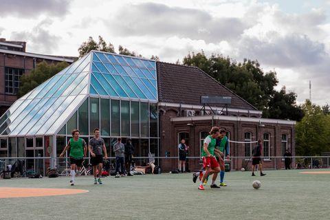 Public space, Town, Architecture, Sport venue, Games, Leisure, Building, City, Recreation, Plant,
