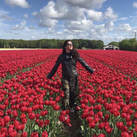 beauty editor in tulips