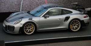 Porsche 911 GT2 RS photos