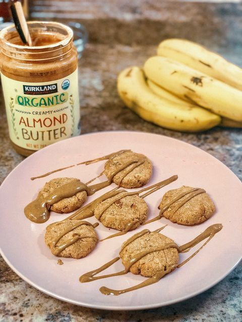 Food, Dish, Cuisine, Ingredient, Peanut butter, Nut butter, Banana, Snack, Banana family, Cookie,