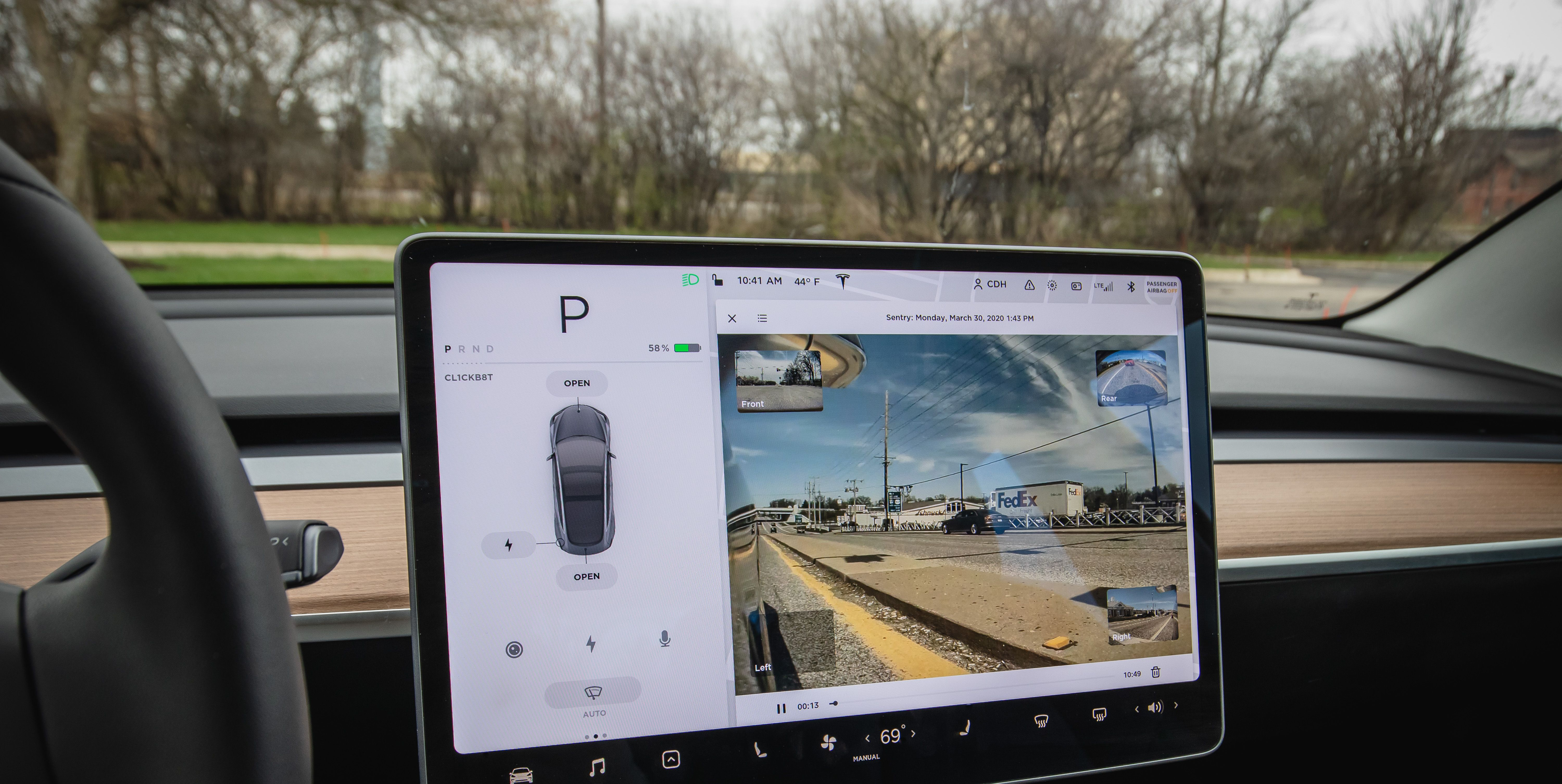Now You Can View Tesla Model 3 Past Dashcam Footage on Its Screen