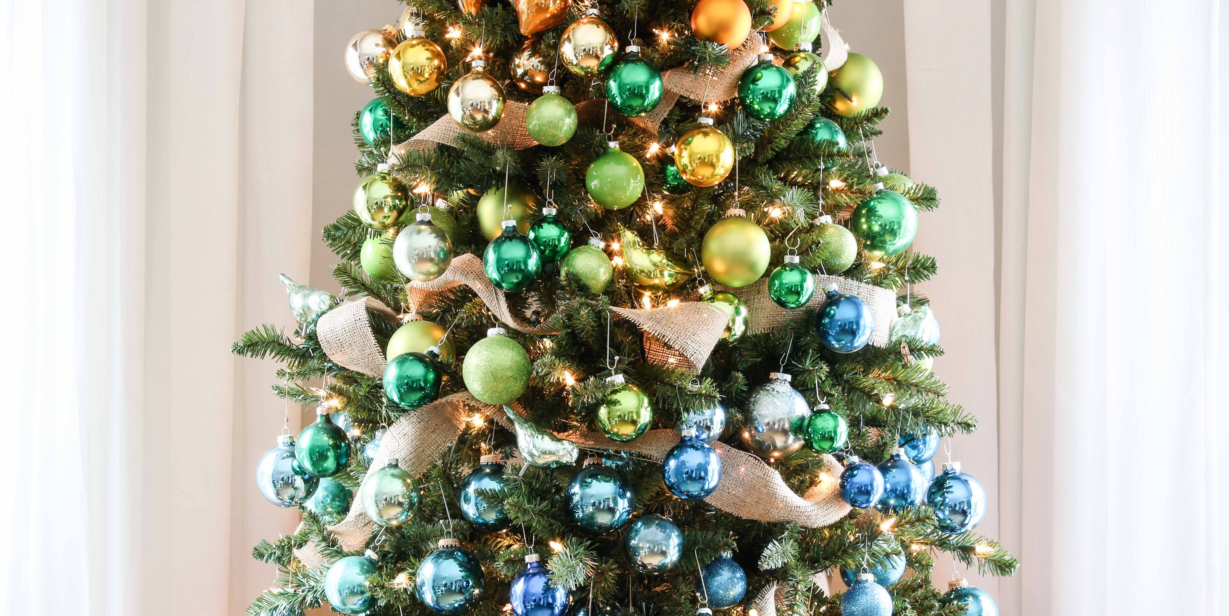40 Decorating Ideas That'll Have You Rockin' Around The Christmas Tree