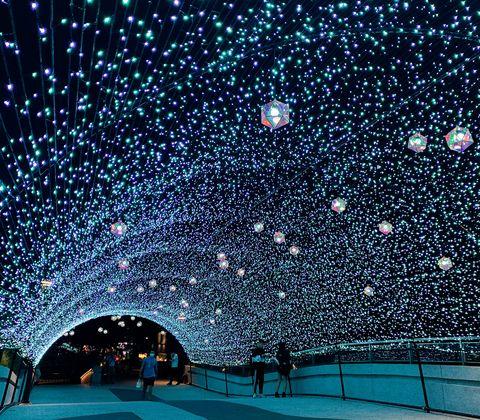 東京夢幻燈海搬來台灣!雪藍隧道現身台北中山捷運站