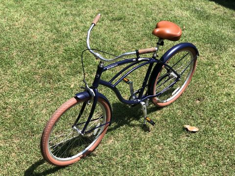 Bicycle wheel, Bicycle, Bicycle part, Bicycle tire, Bicycle frame, Vehicle, Bicycle handlebar, Bicycle saddle, Bicycle accessory, Spoke,