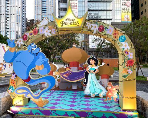 新北耶誕城打造「迪士尼快閃店」!6大夢幻裝置、公主與小木偶主題、破千樣周邊,迪士尼控必衝!